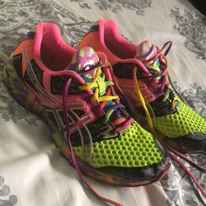 ASICS Gel Noosa Tri 8 size 9 running shoe